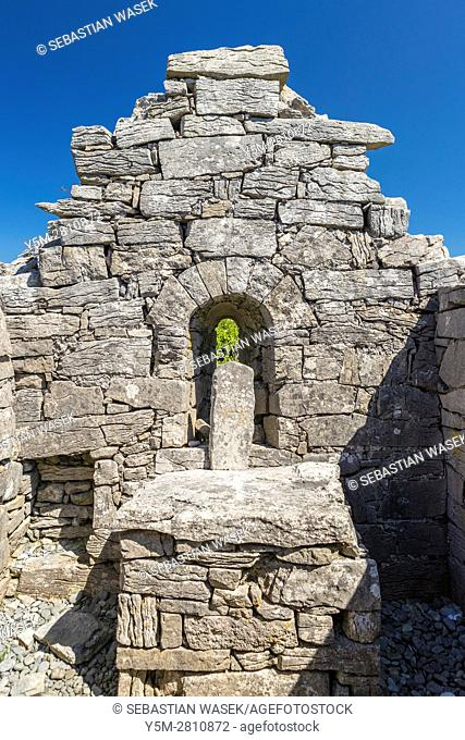 Saint Gobnait's church at Inis Oirr, County Galway, Ireland, Europe