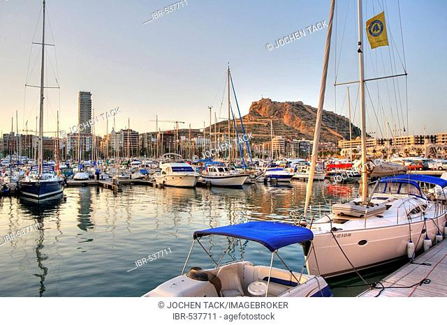 Spain, Alicante : View over the port to the Monte Benacantil