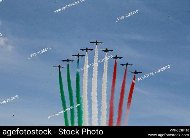 On the occasion of the celebrations for the 74th anniversary of the proclamation of the Republic, the National Acrobatic Patrol aka FRECCE TRICOLORI performs...