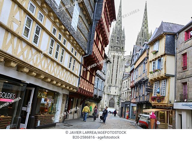 Rue Kéréon, Cathedral of Saint-Corentin, Quimper, Bretagne, Brittany, France