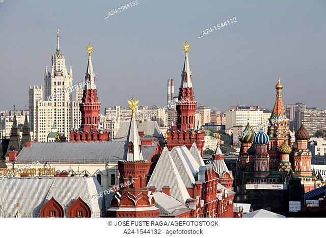 Rusia , Moscow City, St. Basil's Cathedral and History Museum Skyline