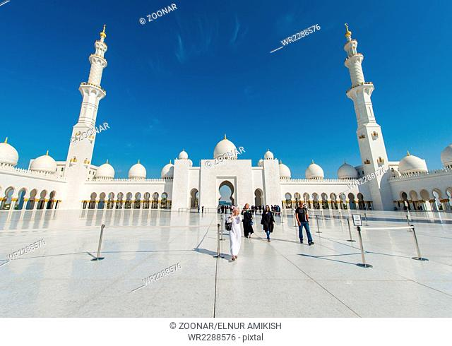 Abu Dabi - JANUARY 9, 2015: Sheikh Zayed mosque on January 9 in UAE, Dubai. Sheikh Zayed mosque is the largest in UAE