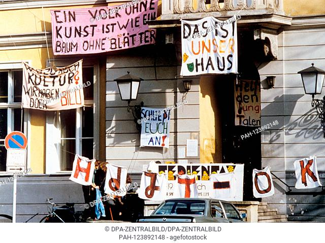 "Protest banner at the """"House of Young Talents"""" on 16 October 1990 in East Berlin. After the subsidies had been cancelled"