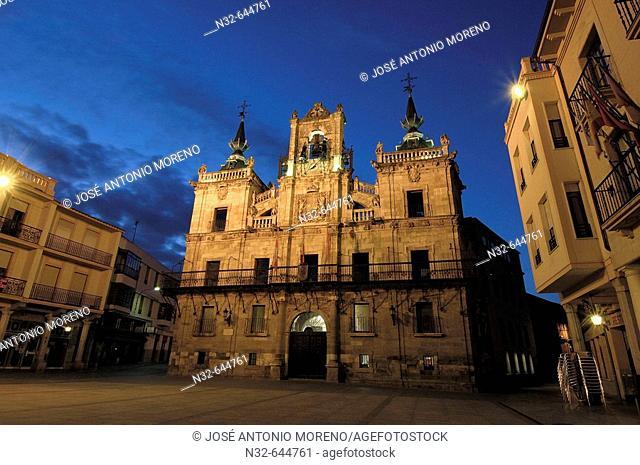 Main square and town hall. Astorga, Road to Santiago. Leon province. Castilla y Leon, Spain
