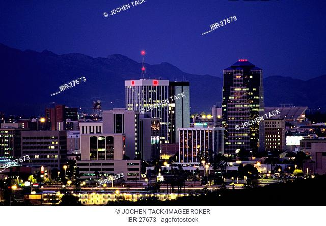 USA, United States of America, Arizona: Skyline of Tucson