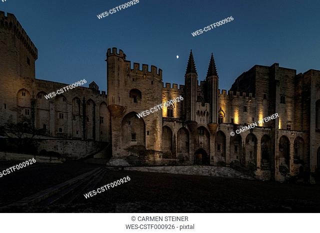 France, Avignon, Palais des Papes at night