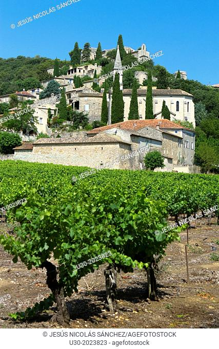 Overview of Roque-sur-Ceze, labelled The Most Beautiful Villages of France, in Gard deparment, Languedoc-Roussillon region. France