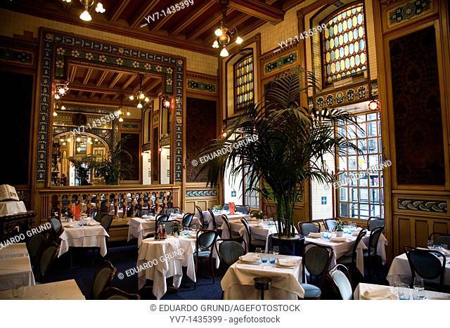 'La Cigale' restaurant, visited by Jules Verne  Nantes, Loire, France, Europe