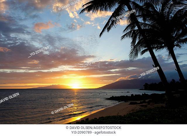 Sunset at Cove Park, Kihei, Maui, Hawaii