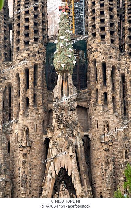 Sagrada Familia by Gaudi, UNESCO World Heritage Site, Barcelona, Catalunya Catalonia Cataluna, Spain, Europe