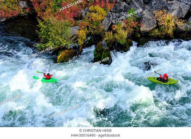 North America, USA, Oregon, Pacific Northwest, Central Oregon, Bend, Deschutes River, Kayaking
