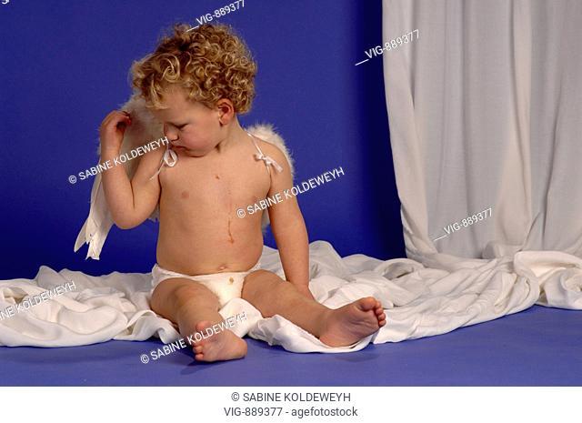 Little boy with angel's wings. - 30/06/2008