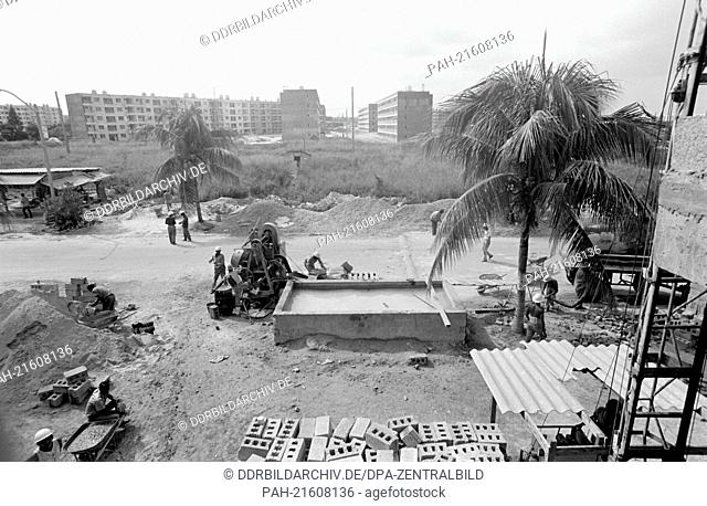 Following the Socialist idea, working brigades of young architects, builders and future inhabitans, build the new housing estate in Havanna Alamar
