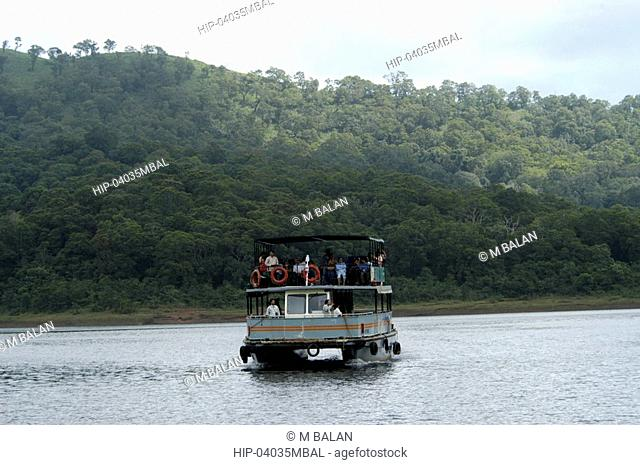 BOAT RIDE IN PERIYAR TIGER RESERVE THEKKADY