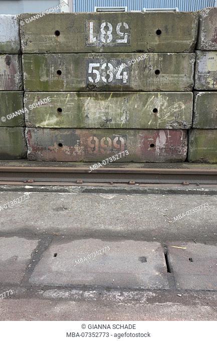 Blohm & Voss shipyard, concrete blocks