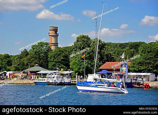 Europe, Germany, Schleswig-Holstein, Baltic Sea, Lübeck-Travemünde, beach, lighthouse, oldest lighthouse in Germany from 1539, view from Priwall