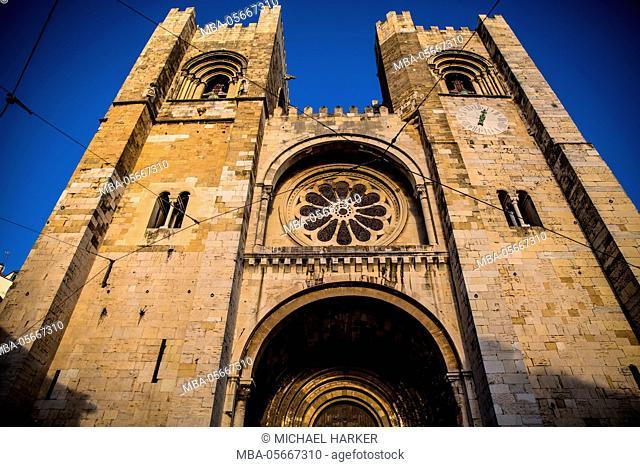 Europe, Portugal, Lisbon, cathedral Se, west facade, Catedral Sé Patriarcal, Igreja de Santa Maria Maior