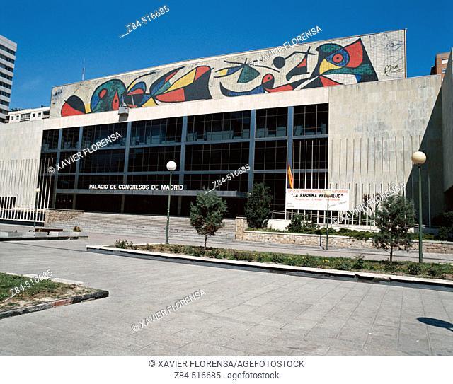 Palacio de Congresos de Madrid. Architect: Pablo Pintado. Mural: J. Miro. Paseo de la Castellana. Azca financial district. Madrid