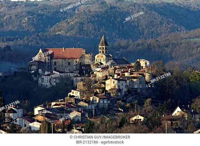 Saint Saturnin, labelled Les Plus Beaux Villages de France, The Most Beautiful Villages of France, Département Puy-de-Dôme, France, Europe
