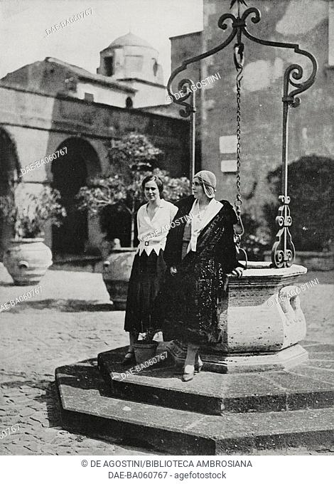 Mary of Saxe-Coburg and Gotha (1875-1938), Queen consort of Romania, and her daughter Ileana (1909-1991), princess of Romania, in the courtyard of Sangallo Fort
