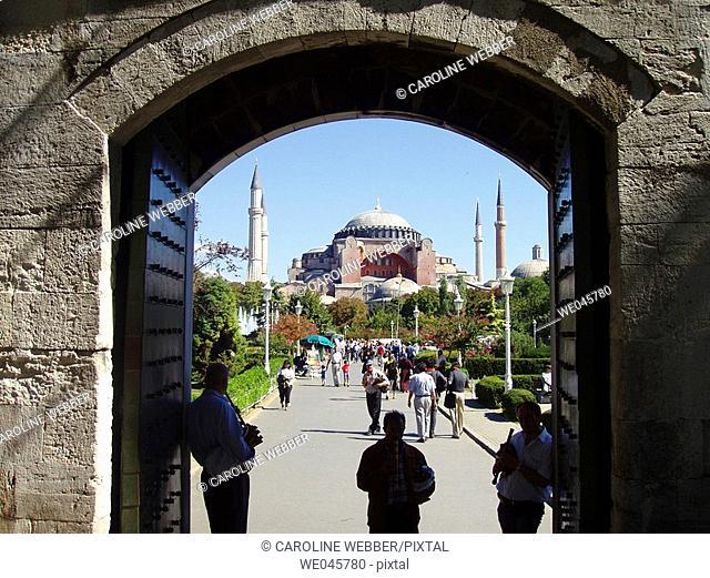 Musicians outside Hagia Sofia Mosque