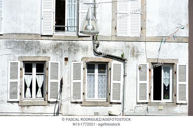 Typical windows, douarnenez france