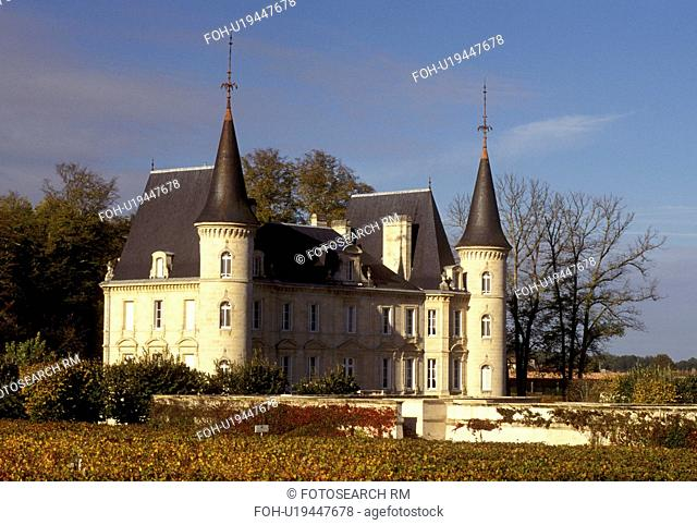 France, vineyard, Bordeaux Wine Region, Gironde, Chateau Pichon-Longueville, Europe, Medoc Vineyards, Aquitaine