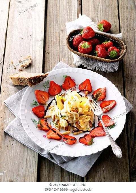 Chicory salad with strawberry carpaccio