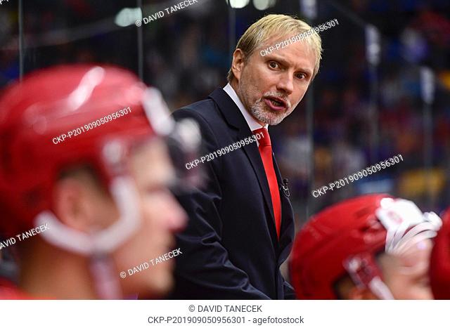 Coach of Hradec Kralove TOMAS MARTINEC in action during the Champions Hockey League H group game: Hradec Kralove vs Cardiff Devils in Hradec Kralove
