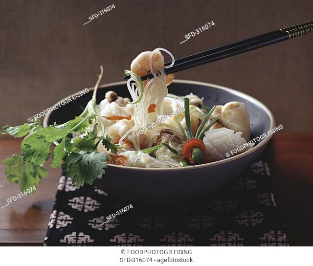 Glass noodles with seafood