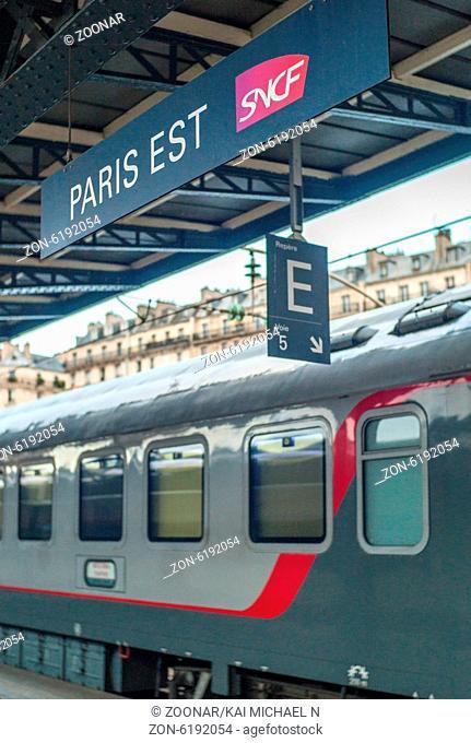 Der Transeuropeean Express wartet am Morgen des 22. Juli 2014 im Pariser Gare de l'est auf die Abfahrt nach Moskau. Die über 3