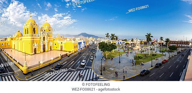 Peru, La Libertad, Trujillo, Plaza de Armas, Cathedral and Liberation Monument