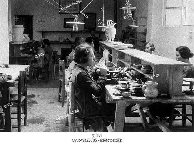 majolica decoration, potteries factory, deruta, umbria, italy, 1930