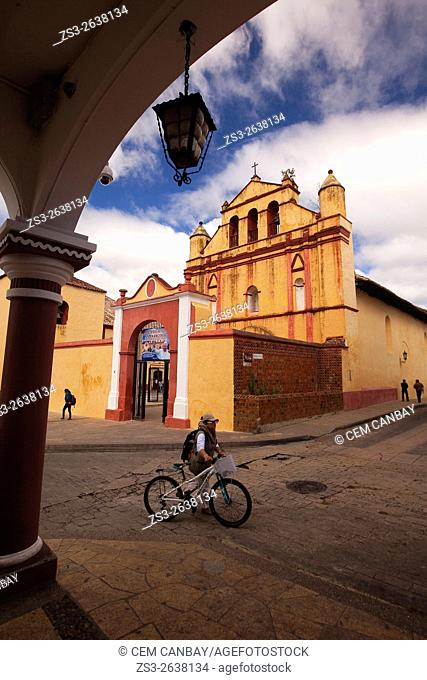 Framed view to the Temple of St. Nicolas, situated next to the Cathedral of San Cristobal, San Cristobal de las Casas, Chiapas State, Mexico, North America