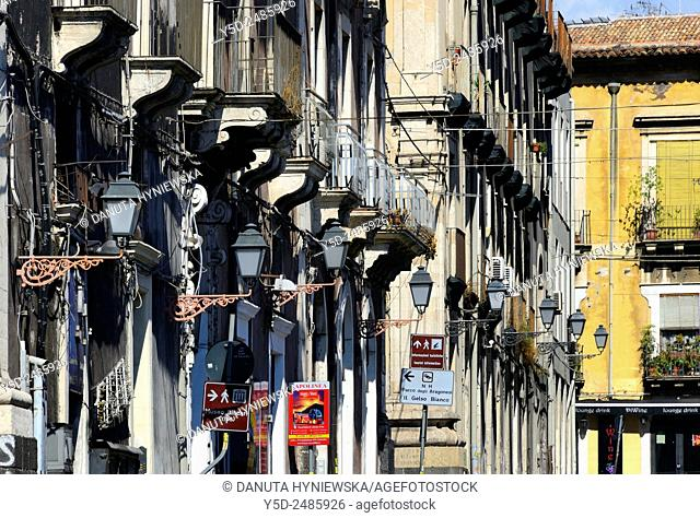 Europe, Italy, Sicily, Catania, facades lanterns and wires in old town