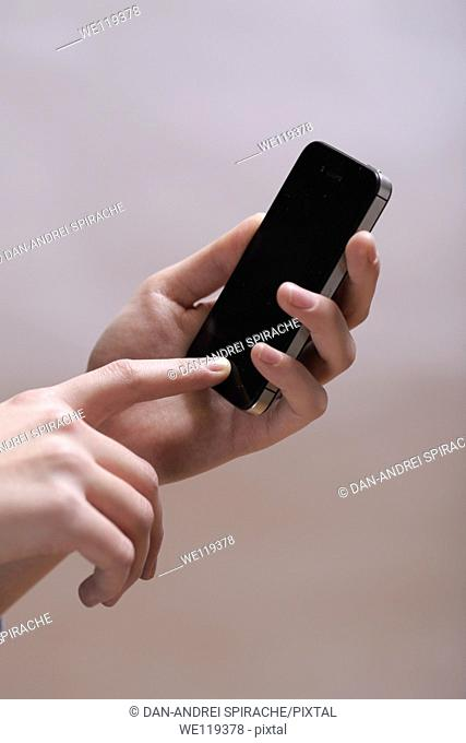 Hands with phone