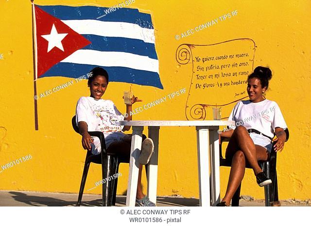Cuba, Havana, cuban women having a drink