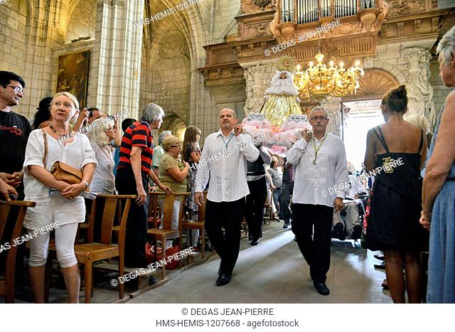 France, Herault, Beziers, Cathedral Saint Nazaire, annual Feria, Flamenca mass, arrived from the virgin on the occasion of the mass of Romeria