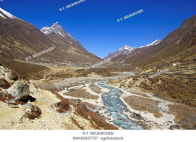 Valley near Taranga above Thame, Nepal, Khumbu Himal