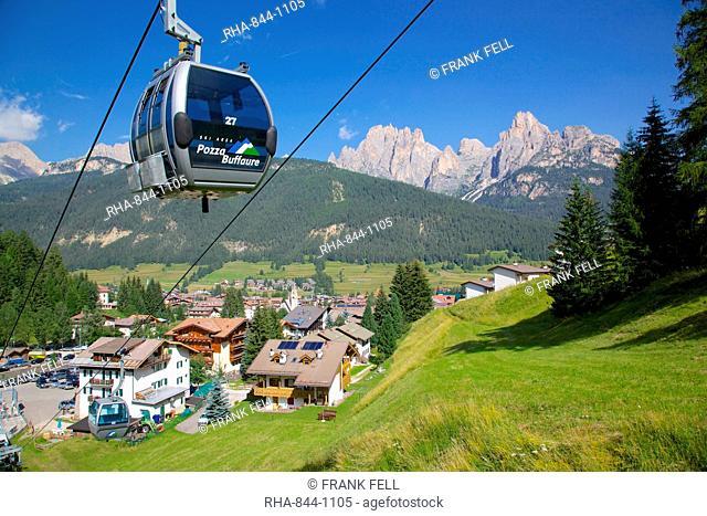 Cable car, Pozza di Fassa, Fassa Valley, Trento Province, Trentino-Alto Adige/South Tyrol, Italian Dolomites, Italy, Europe