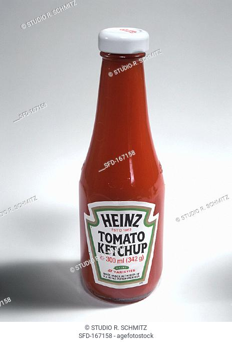A bottle of Heinz ketchup (1)