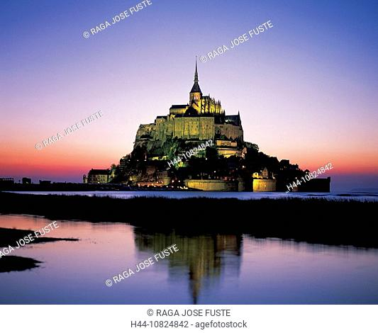 France, Europe, Normandy, Mont Saint Michel, view, UNESCO, world cultural heritage, at night, night, dusk, twilight, m