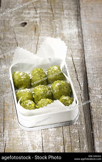 bombones de pistacho / pistachio chocolates
