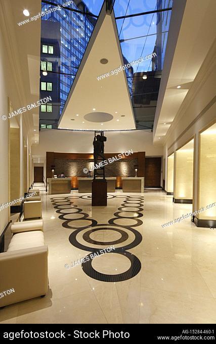 Wedge shaped hotel atrium | Architect: Dexter Moren | Designer: RPW