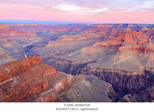 Sunrise skies over the Grand Canyon from Hopi Point, Grand Canyon National Park, Arizona, USA