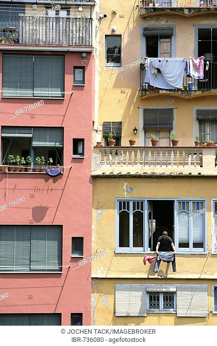 Laundry hanging from an apartment building in the historic centre of Girona, Costa Blanca, Catalonia, Spain, Europe
