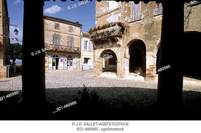 Bastide of Auvillar. Garonne valley. France