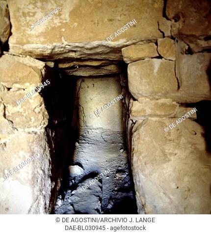 Interior of the tholos-tomb in Achladia, Crete, Greece. Minoan civilisation, 14th-13th century BC