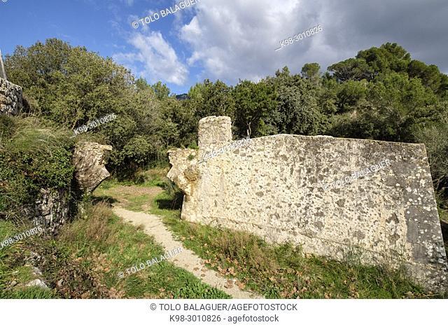 aqueducto y cisterna de Son Mossenya,l segle XIV, Valldemossa, Mallorca, balearic islands, Spain