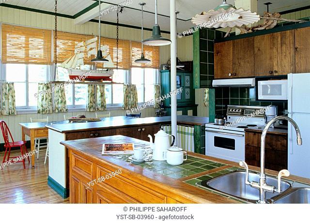 Kitchen, Saint Lawrence river, Métis-sur-Mer, Quebec, Canada
